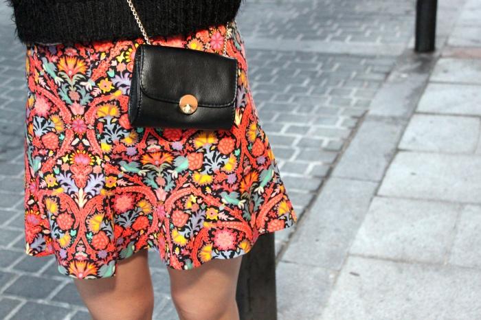 Falda flores<br /> naranja