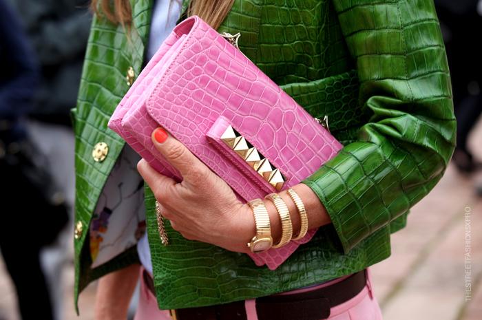 la-modella-mafia-Anna-Dello-Russo-fashion-editor-street-style-Spring-2013-Valentino-pink-croc-studded-clutch