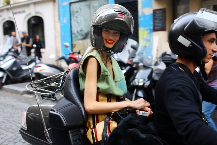 marine-deleeuw-moped
